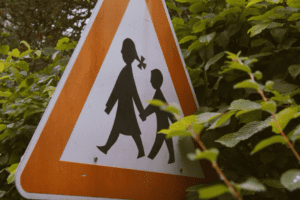 warning children walking